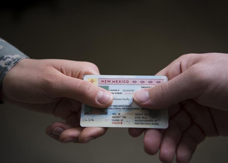 Consecuencias de conducir con papeles falsos